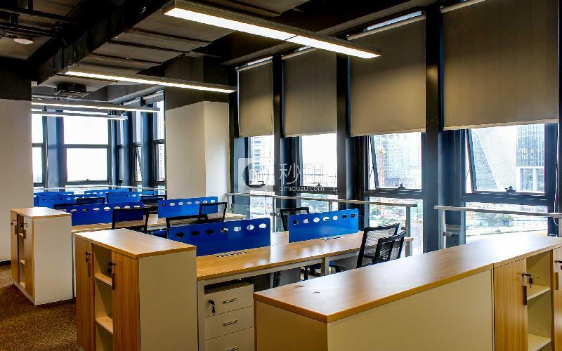 软件产业基地-腾讯众创空间写字楼出租105平米精装办公室26400元/间.月