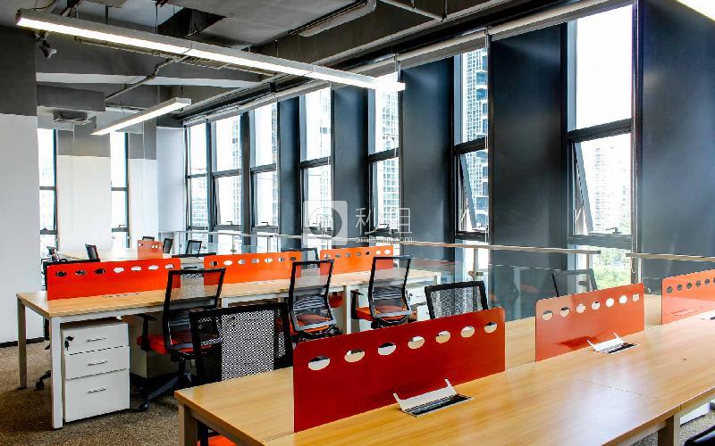 软件产业基地-腾讯众创空间写字楼出租132平米精装办公室33600元/间.月