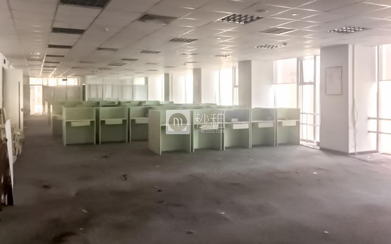 青岛中心大厦写字楼出租464平米毛坯办公室70566元/月