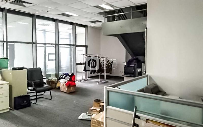 颐和国际写字楼出租214平米精装办公室5.6元/m².天