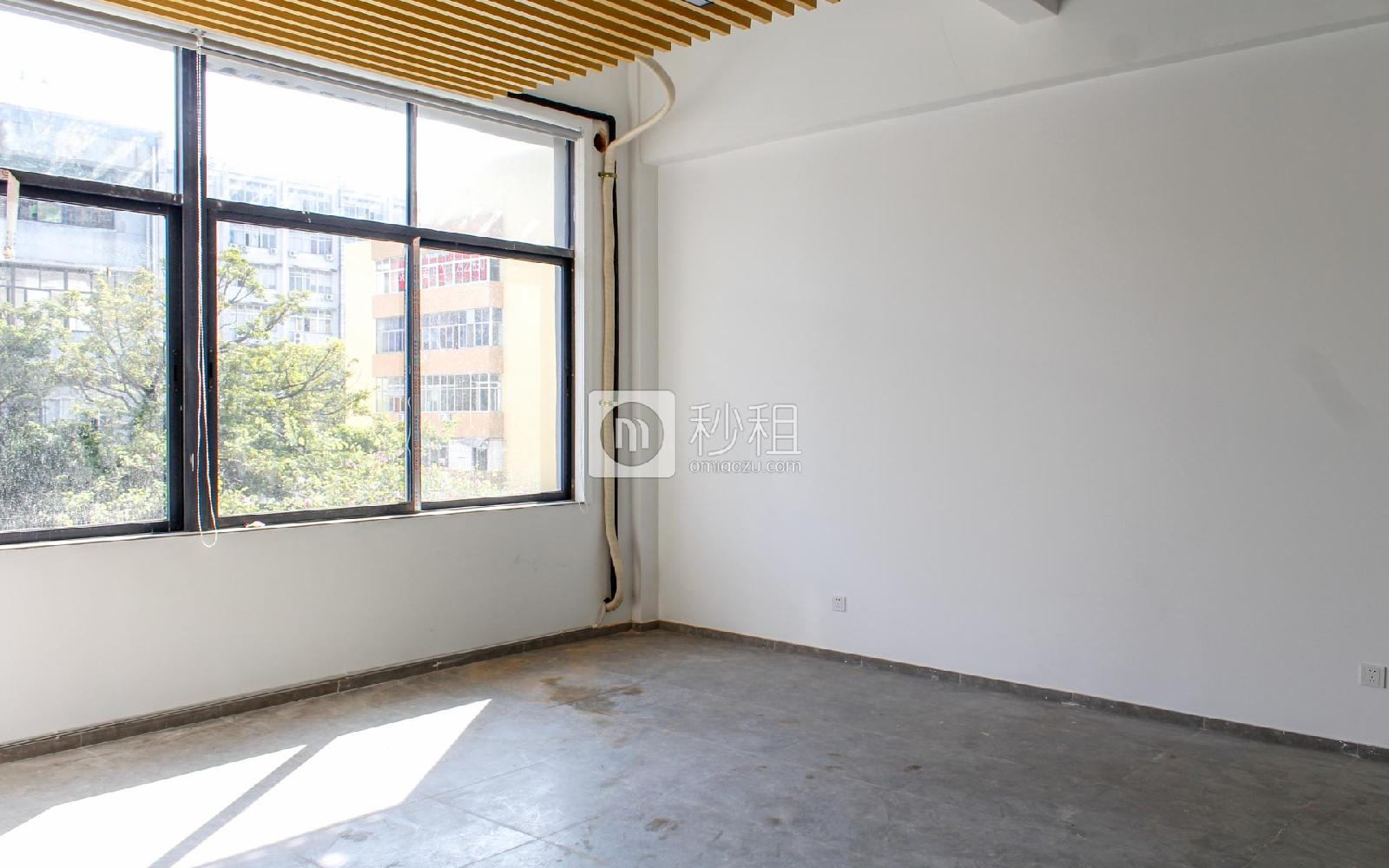 八卦岭工业区-星云众创空间写字楼出租29平米精装办公室80元/m².月