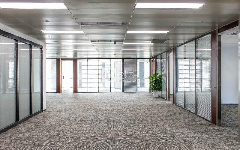 华嵘大厦写字楼出租824平米精装办公室180元/m².月
