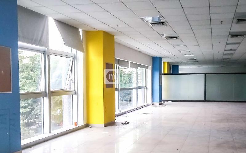 中央西谷大廈寫字樓出租693平米精裝辦公室160元/m2.月