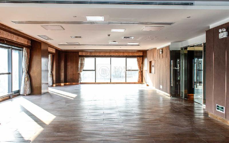 美兰国际商务中心写字楼出租220平米精装办公室80元/m².月