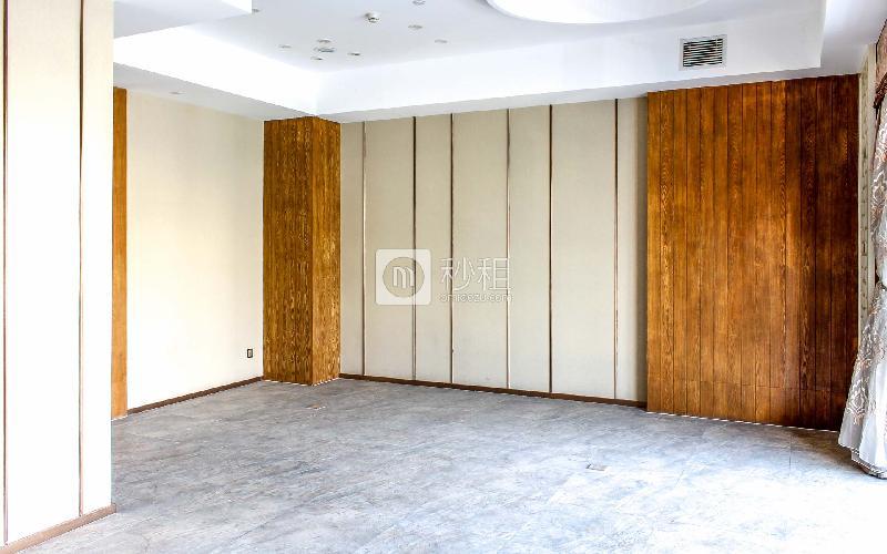 美兰国际商务中心写字楼出租187平米精装办公室80元/m².月