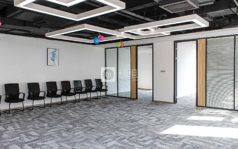 凯达尔集团中心大厦写字楼出租351平米精装办公室120元/m².月