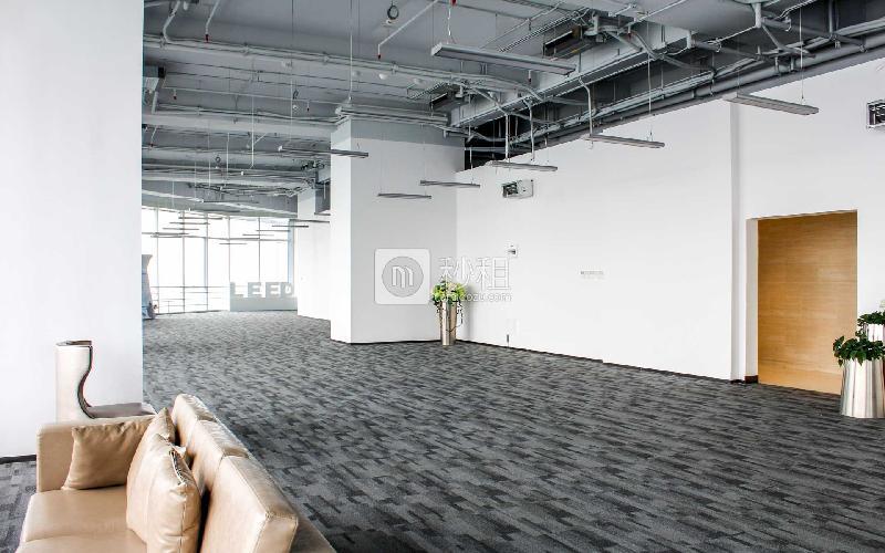 星河WORLD(二期)寫字樓出租600平米精裝辦公室110元/m2.月