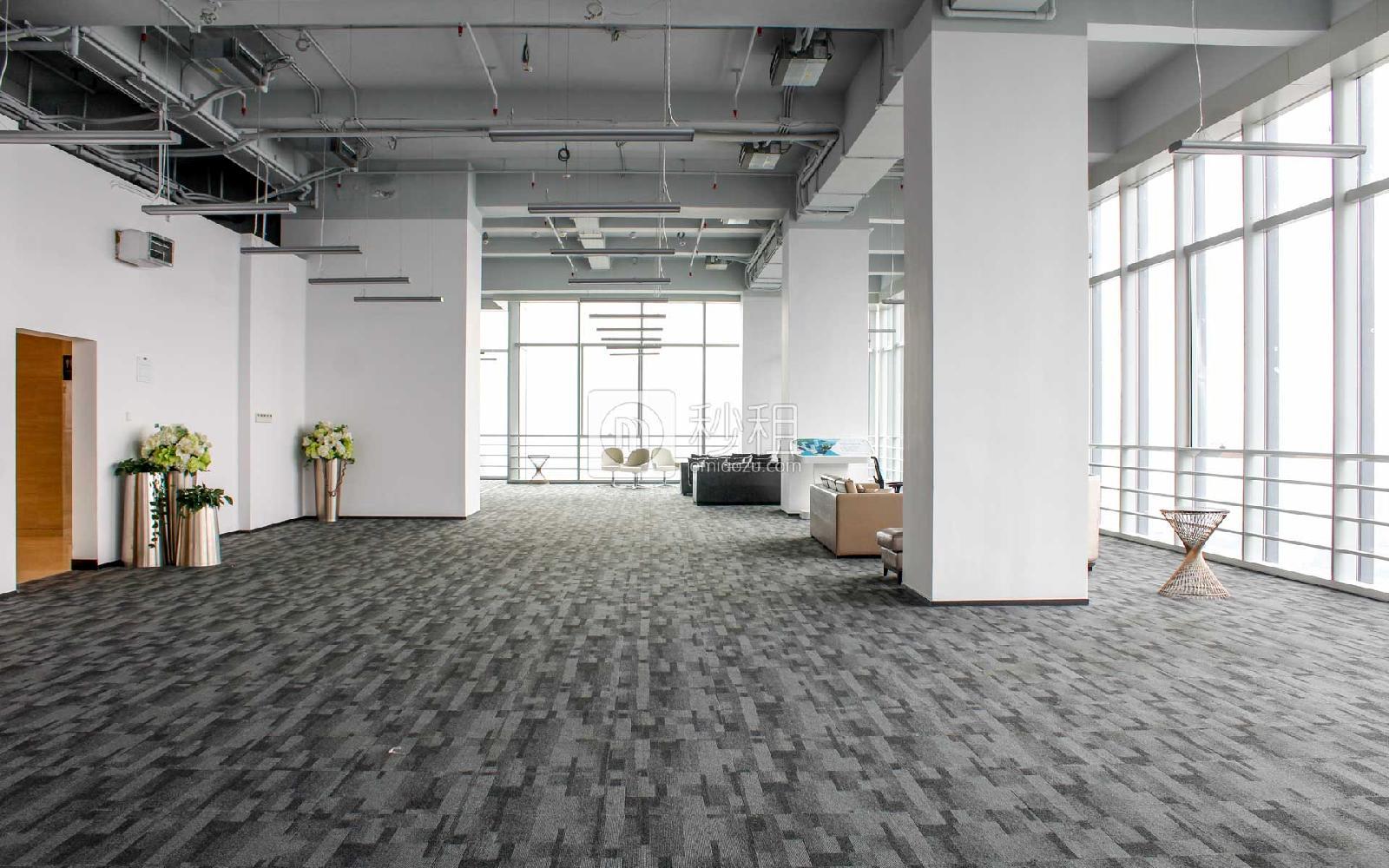 星河WORLD(二期)写字楼出租1000平米精装办公室160元/m².月