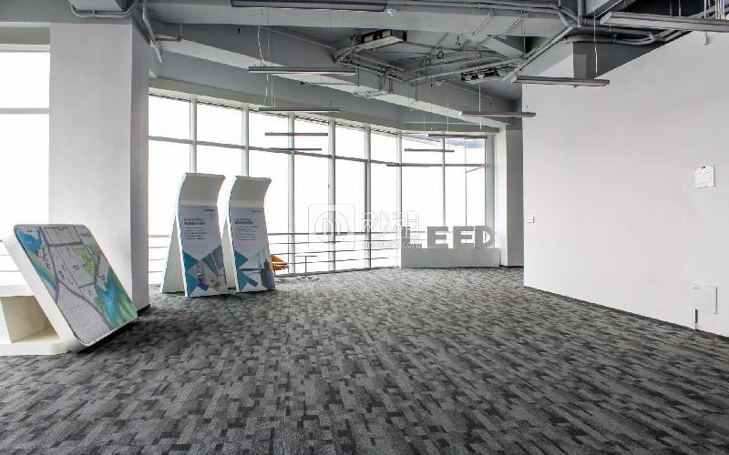 星河WORLD(二期)写字楼出租1000平米精装办公室110元/m².月