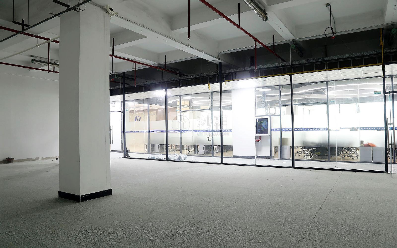 鸿丰华互联网创意园(云立方)写字楼出租236平米简装办公室45元/m².月