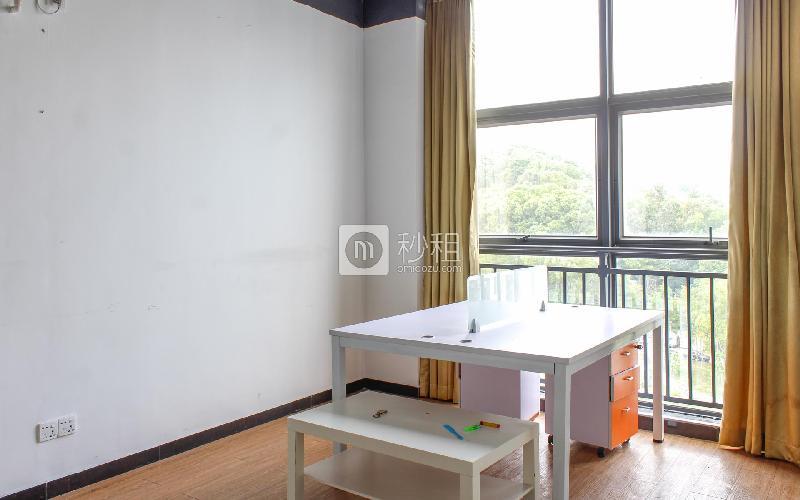 默根工业园写字楼出租168平米简装办公室35元/m².月