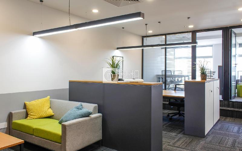 星河世纪大厦-纳什空间写字楼出租128平米精装办公室37600元/间.月
