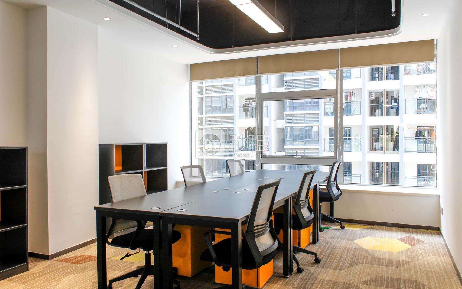同泰时代广场-美创空间写字楼出租30平米精装办公室7200元/间.月
