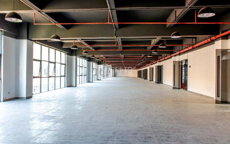 品客小镇青创城写字楼出租900平米精装办公室90元/m².月