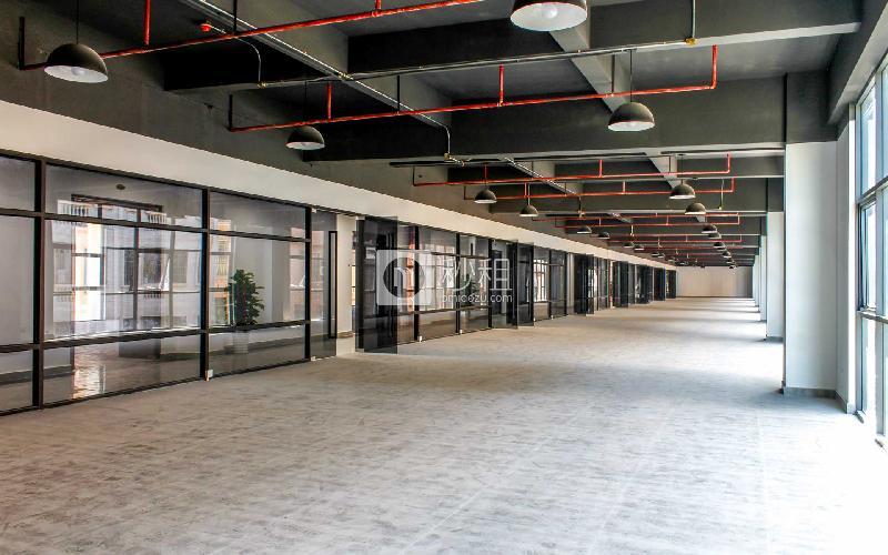 品客小镇青创城写字楼出租1600平米精装办公室90元/m².月