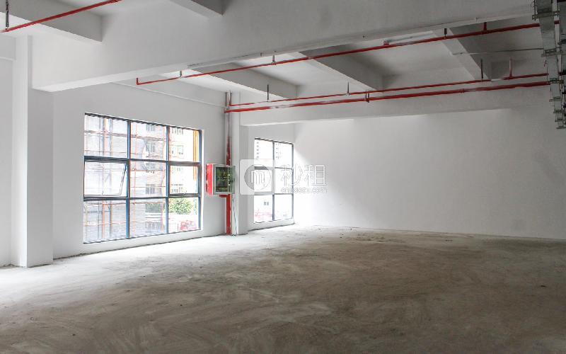 忠汇大厦写字楼出租195平米简装办公室56元/m².月