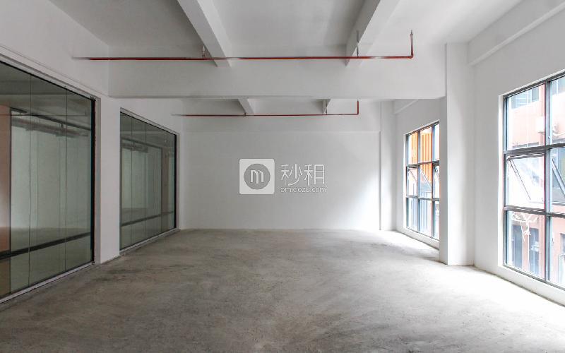 忠汇大厦写字楼出租200平米简装办公室56元/m².月