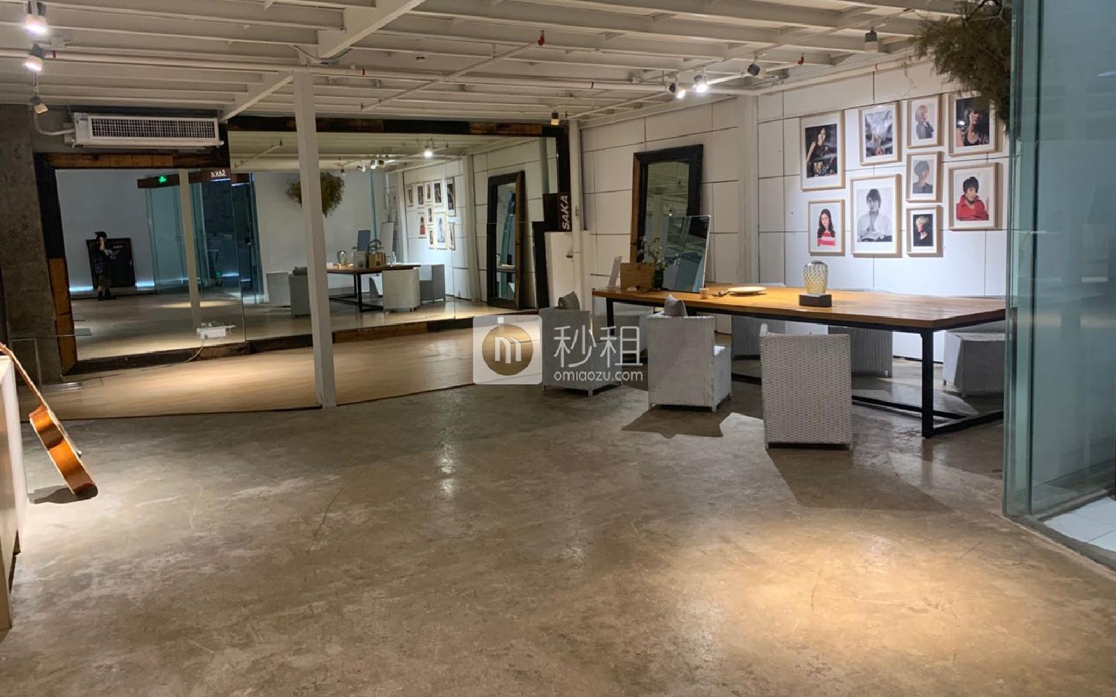 海珠-东晓南路沿线 广州轻纺交易园-时尚发布中心 35m²
