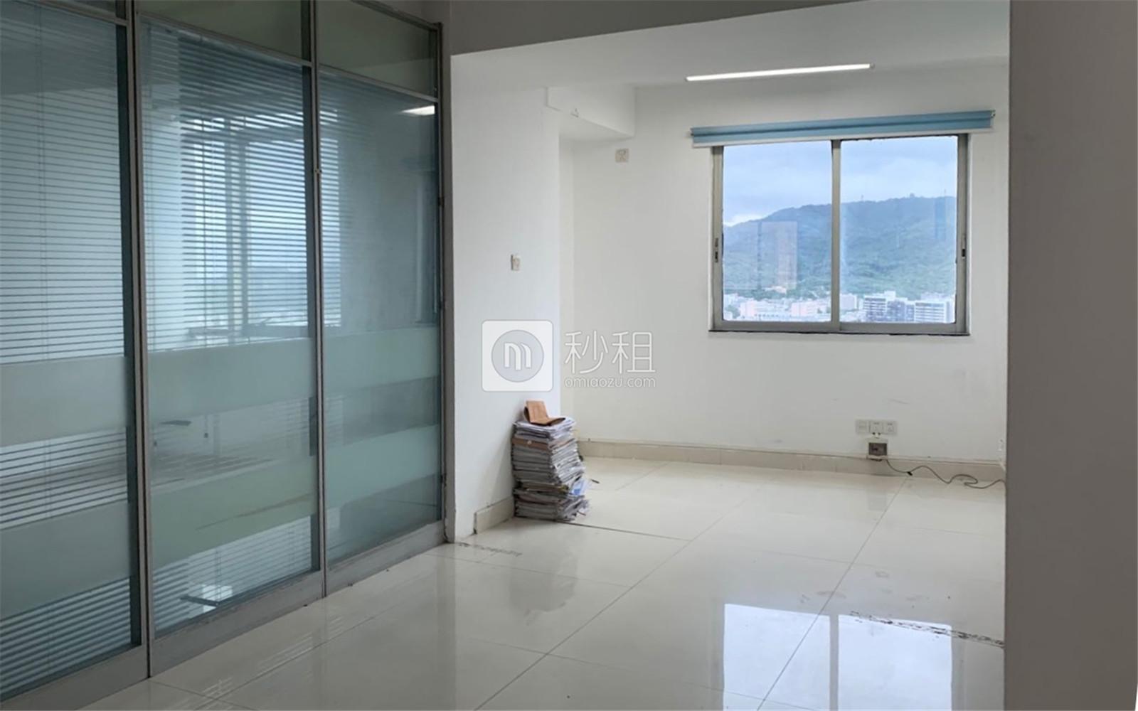 燕侨大厦写字楼出租89平米简装办公室6300元/月