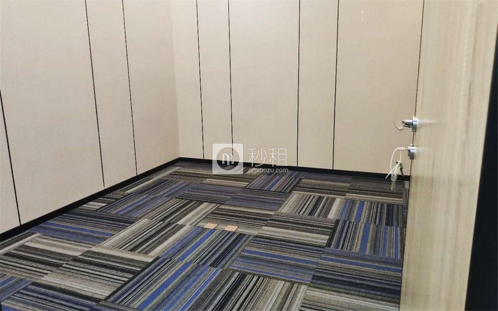 珠控国际中心-珠控商务大厦写字楼出租278平米精装办公室120元/m².月