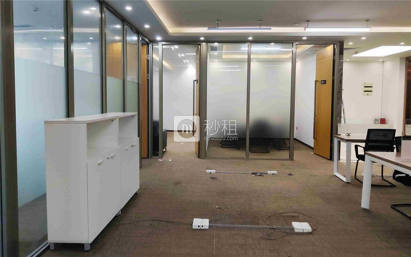 珠控国际中心-珠控商务大厦写字楼出租303平米精装办公室99元/m².月