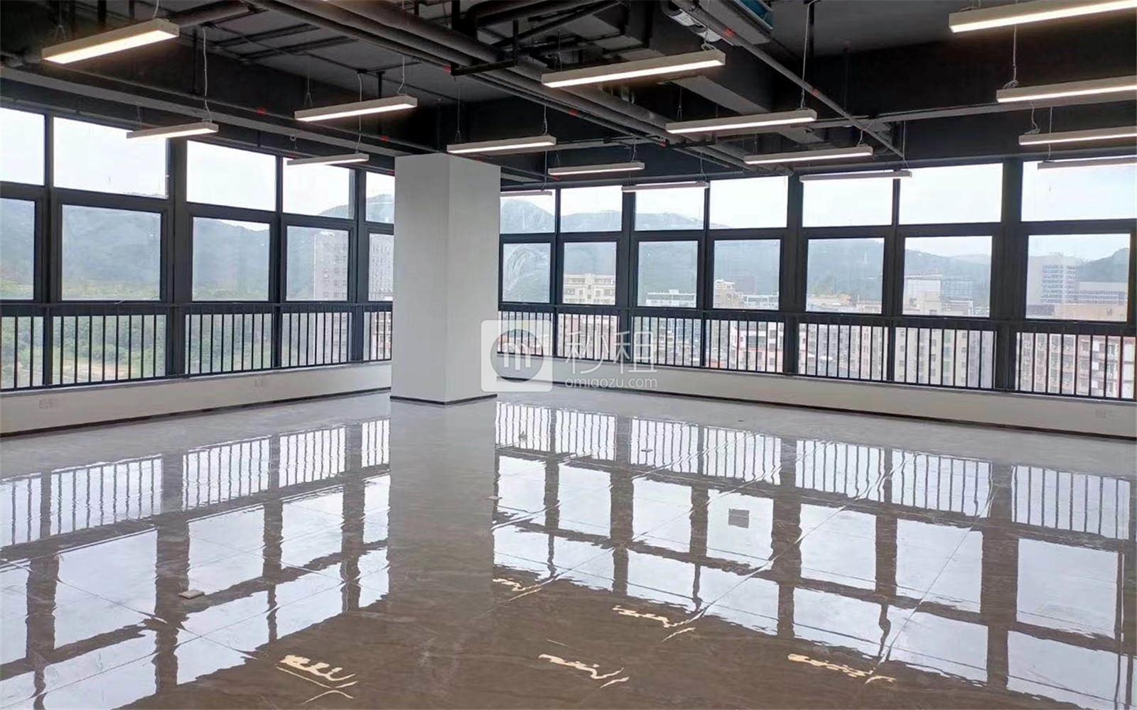 龙华-民治 新龙大厦 235.64m²