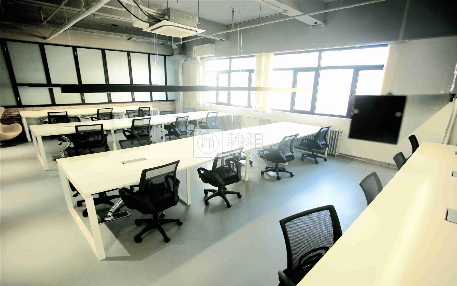 科技寺-三里屯滚石店写字楼出租100平米精装办公室59800元/间.月