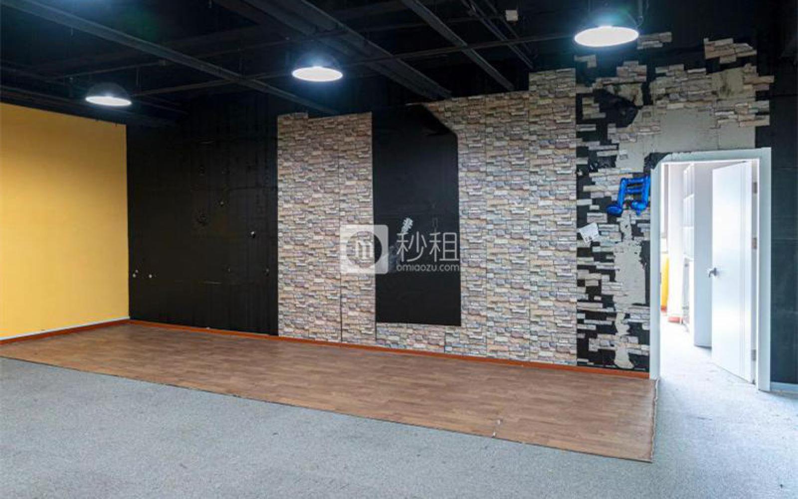 龙冠商务中心银座-乐邦乐成创业基地写字楼出租145平米简装办公室5.2元/m².天