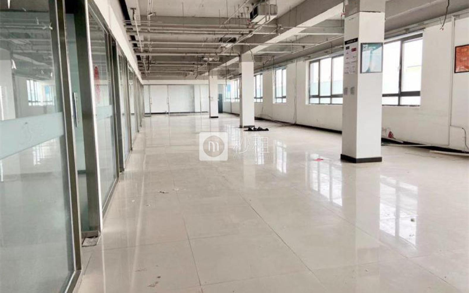 昌平-回龙观 龙冠商务中心银座-乐邦乐成创业基地 700m²