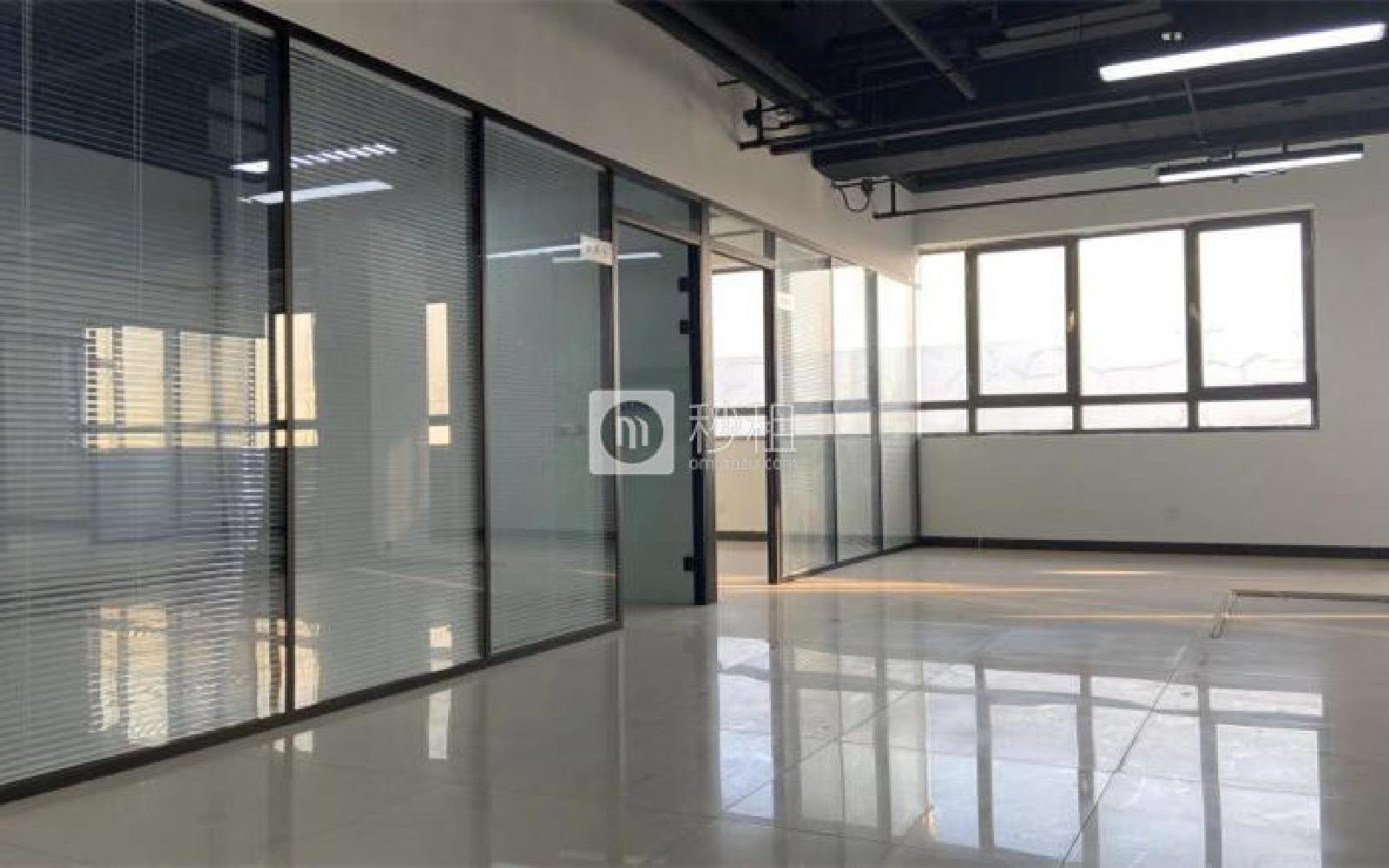 昌平-回龙观 龙冠商务中心银座-乐邦乐成创业基地 285m²
