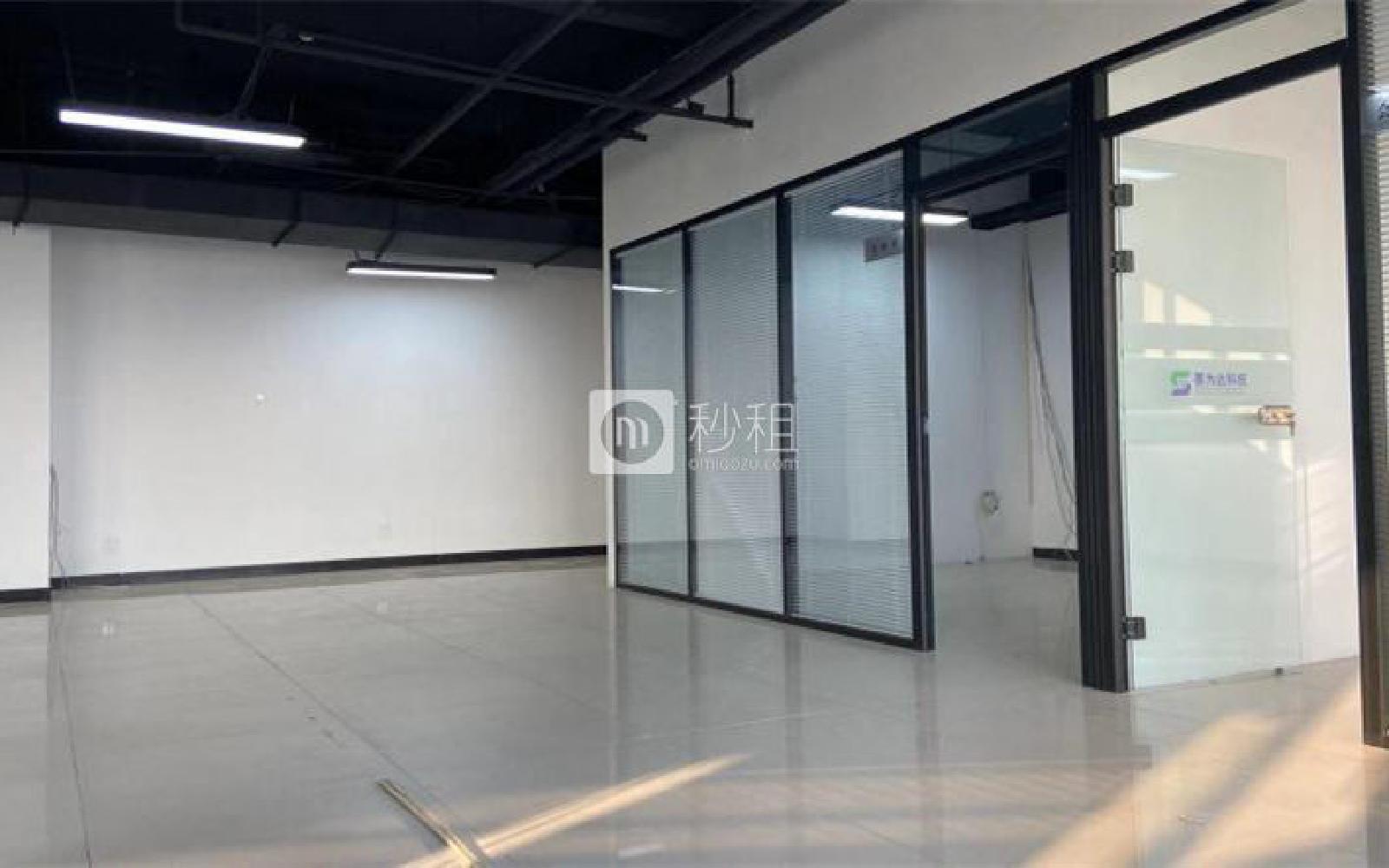 龙冠商务中心银座-乐邦乐成创业基地写字楼出租285平米简装办公室5.2元/m².天