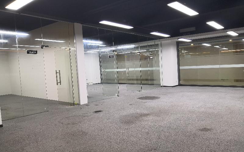北航天汇孵化器-大运软件小镇写字楼出租178平米精装办公室70元/m².月