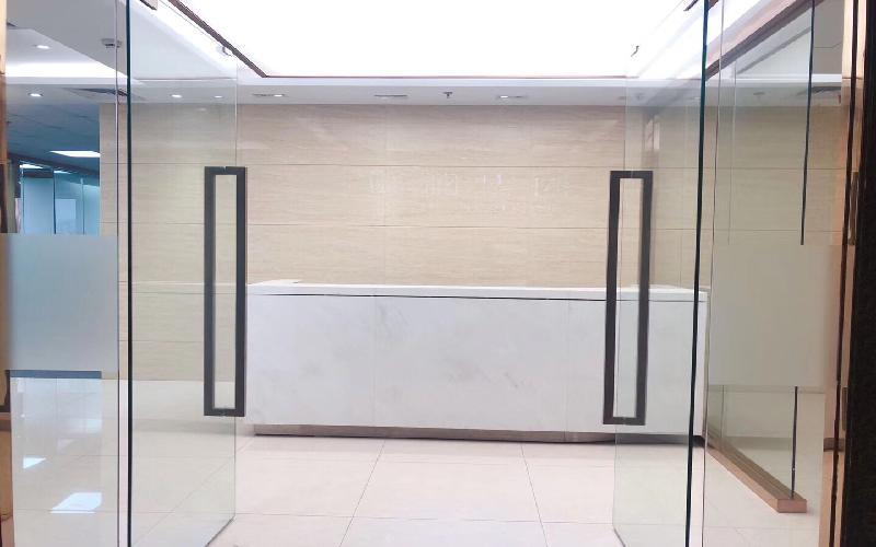 中央西谷大厦写字楼出租689.5平米精装办公室128元/m².月