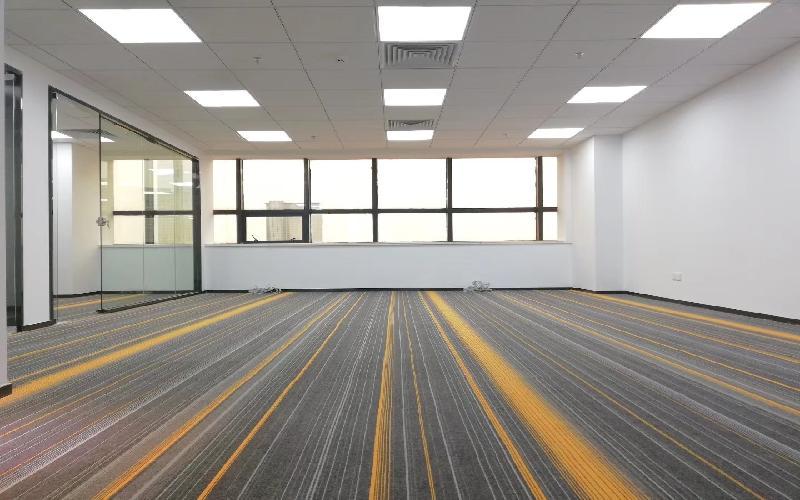 同心大厦(证券大厦)写字楼出租588平米精装办公室110元/m².月