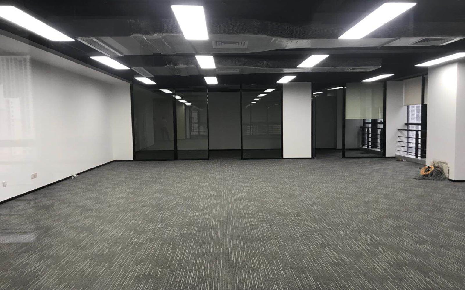 龙岗-坂田 创汇国际中心 356m²