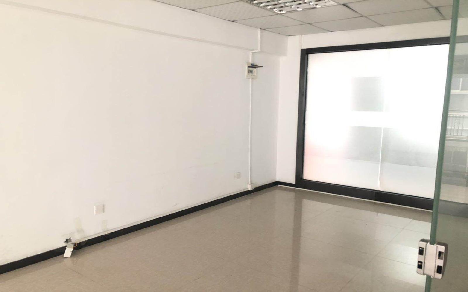 索佳科技园写字楼出租130平米简装办公室50元/m².月