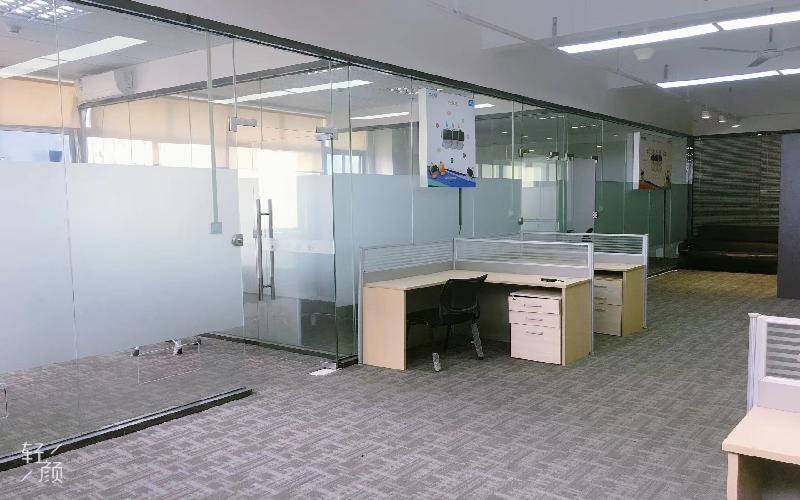 坂田国际中心写字楼出租220平米精装办公室80元/m².月