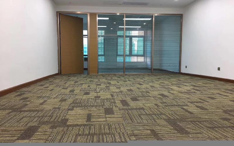 苍松大厦写字楼出租108平米精装办公室120元/m².月