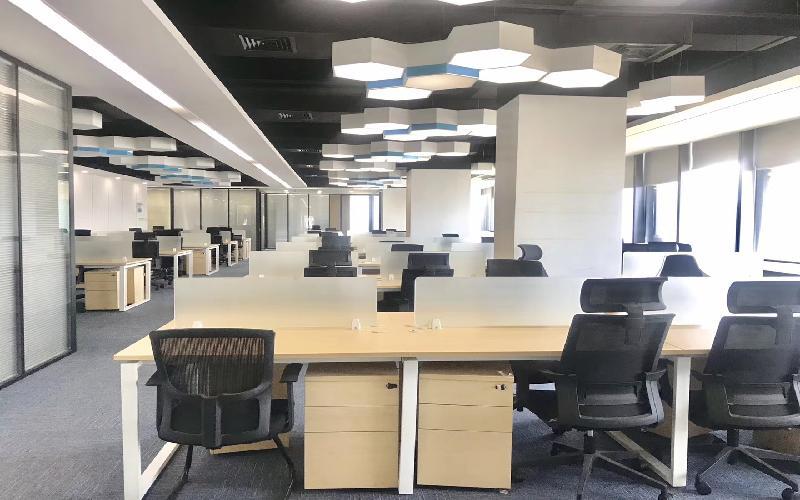 易思博软件大厦写字楼出租596平米精装办公室98元/m².月