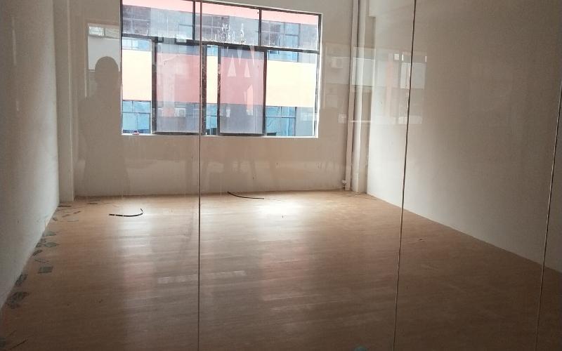 众里创新社区-洪浪北写字楼出租85平米精装办公室65元/m².月