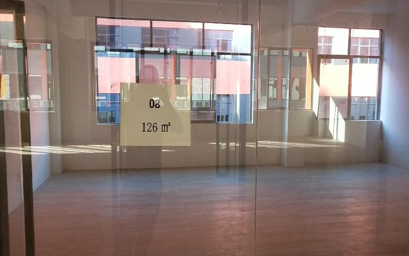 众里创新社区-洪浪北写字楼出租126平米精装办公室63元/m².月