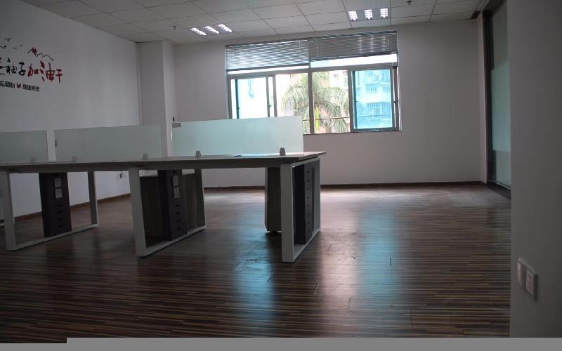 创客公馆写字楼出租92平米精装办公室80元/m².月