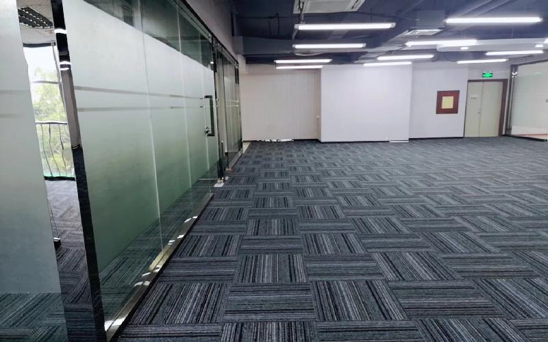 彩虹科技大厦写字楼出租698平米精装办公室49元/m².月
