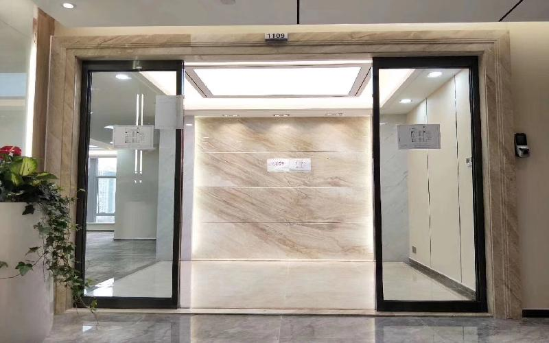 卓越大厦写字楼出租298平米精装办公室168元/m².月