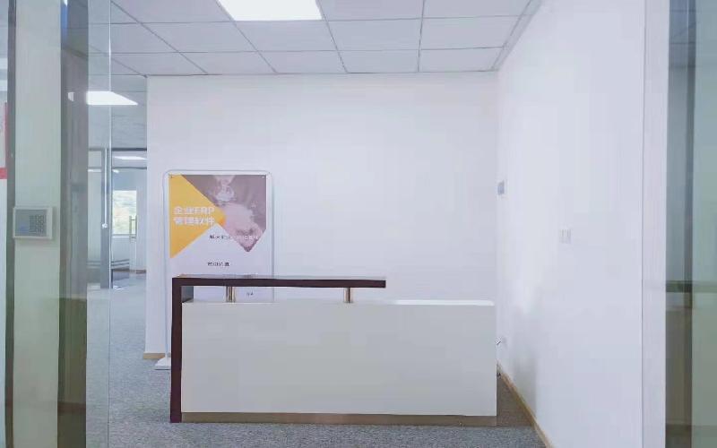 沛鸿大厦写字楼出租348平米简装办公室48元/m².月