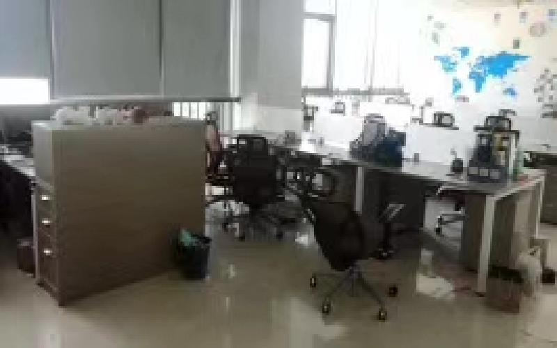 南园枫叶大厦写字楼出租328平米精装办公室89元/m².月