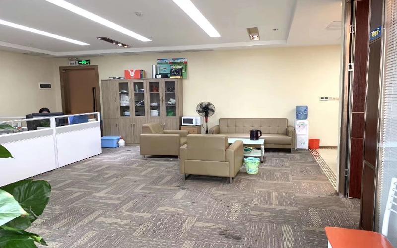 前海卓越时代广场写字楼出租284平米精装办公室118元/m².月