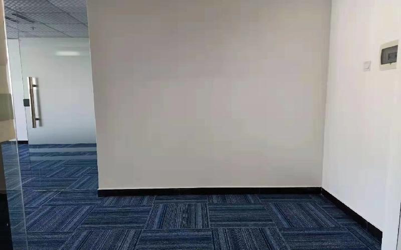 高新技术产业园写字楼出租195平米简装办公室79元/m².月