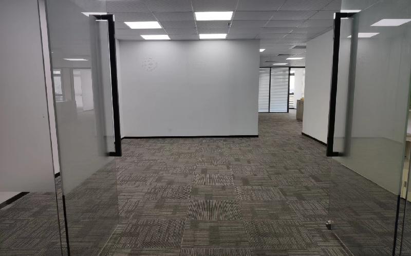 TCL科学园国际E城写字楼出租388平米精装办公室58元/m².月