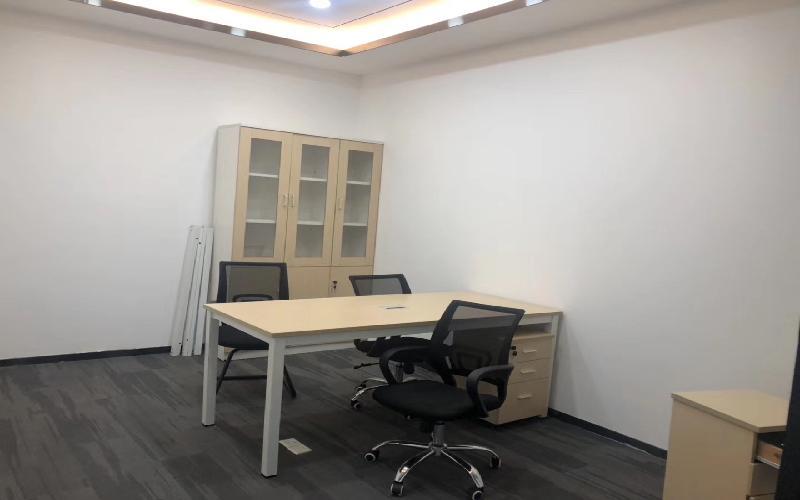 TCL科学园国际E城写字楼出租402平米精装办公室85元/m².月